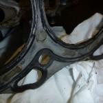 wysmarowana masą uszczelniającą uszczelka głowicy nissan murano